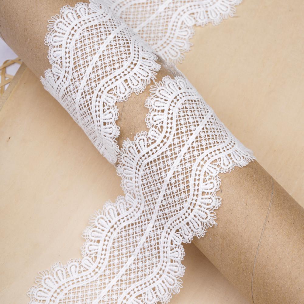 Ruban guipure blanc cassé à motif jolies fleurs - pretty mercerie - mercerie en ligne