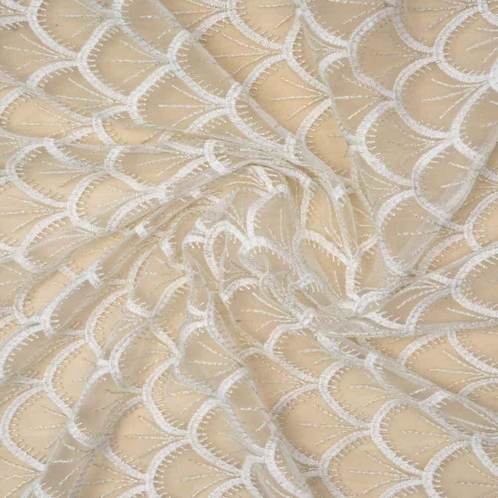 Tissu mousseline gatsby blanc à motif éventail brodé or / Pretty Mercerie / mercerie en ligne