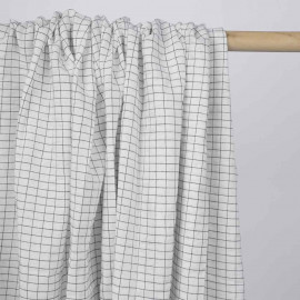 Tissu coton blanc effet froissé à motif petits carreaux noir | Pretty Mercerie | mercerie en ligne