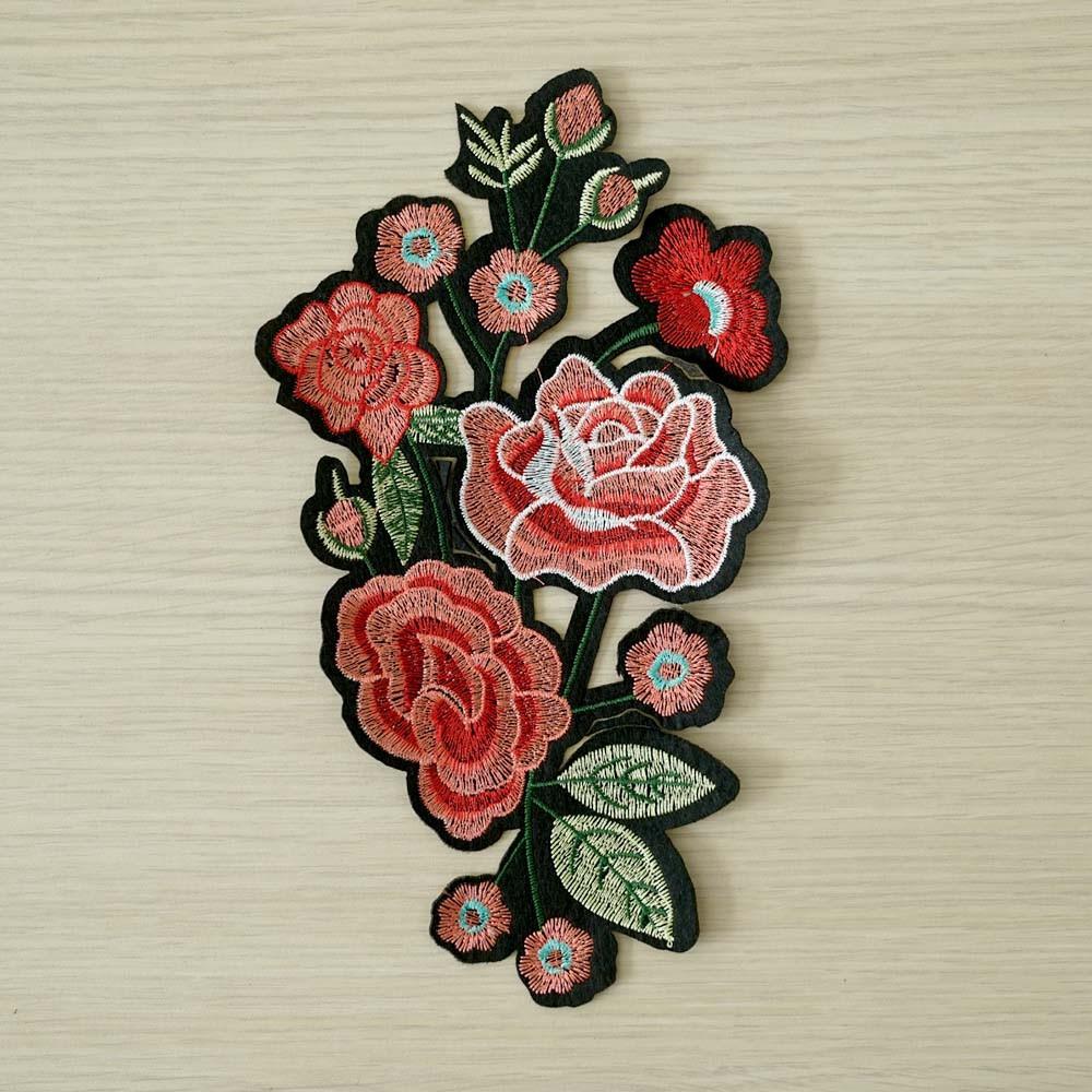 achat Badge brodé Bouquet de fleurs - pretty mercerie - mercerie en ligne